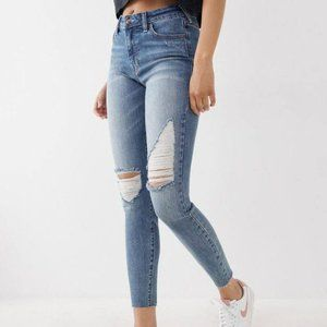 True Religion NWT Halle Mid-Rise Super Skinny Jeans